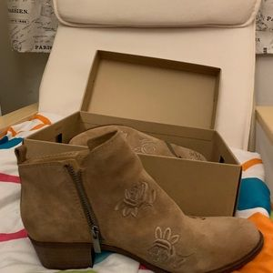 LUCKY BRAND 9.5 SIZE BOOTIES
